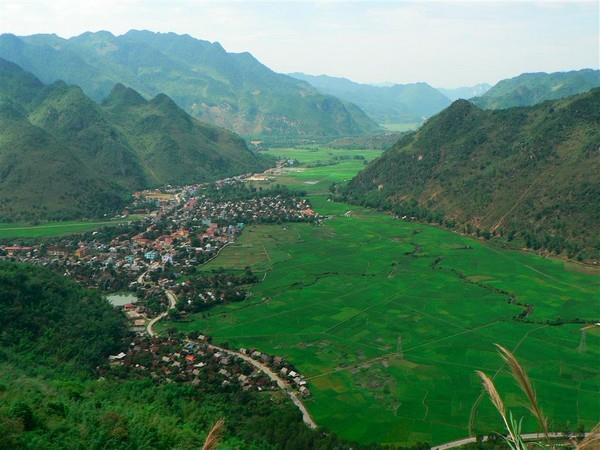 MAICHAU & CUCPHUONG NATIONAL PARK TREKKING 3 DAYS 2 NIGHTS from 100 USD/person only