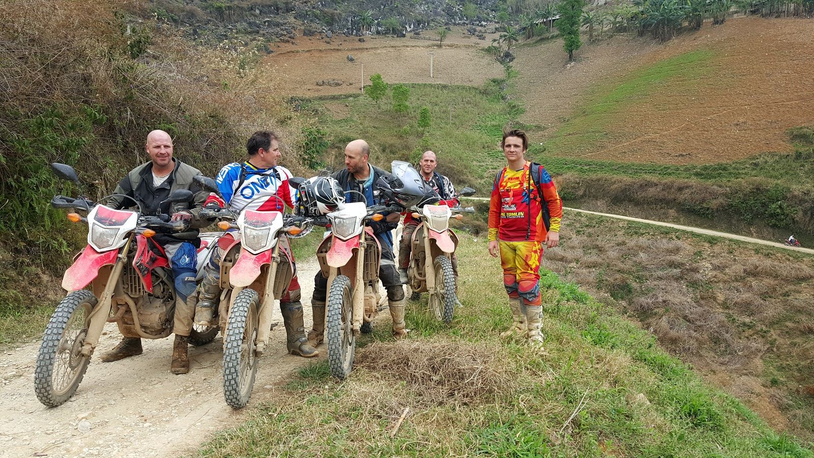 HO CHI MINH TRAIL MOTORCYCLE TOUR 11 DAYS 10 NIGHTS