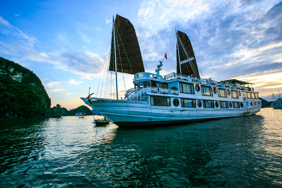 ORIENTAL SAILS 2 DAYS 1 NIGHT & 3 DAYS 2 NIGHTS from 142 USD/person only